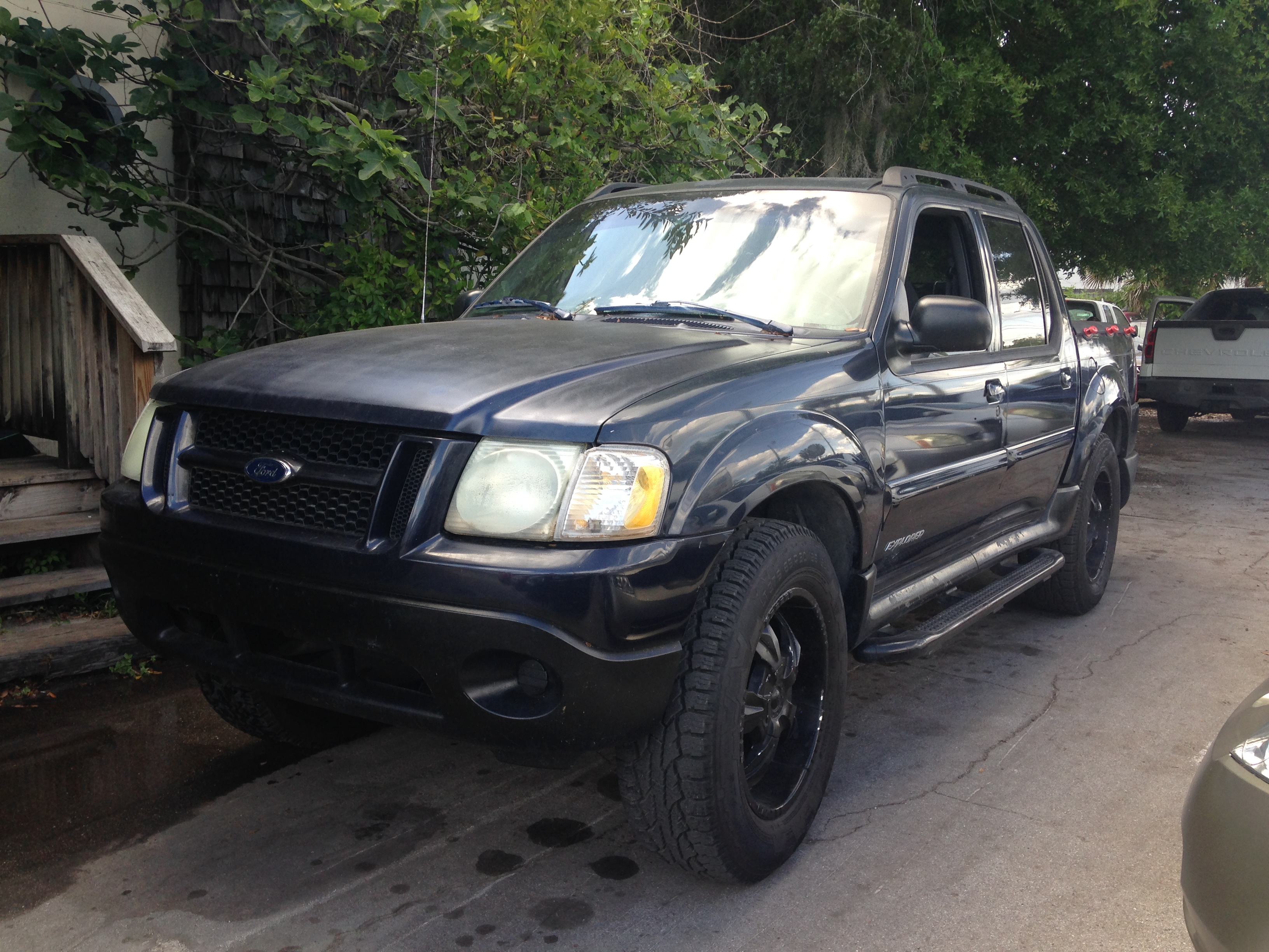 ford explorer sports trac wd